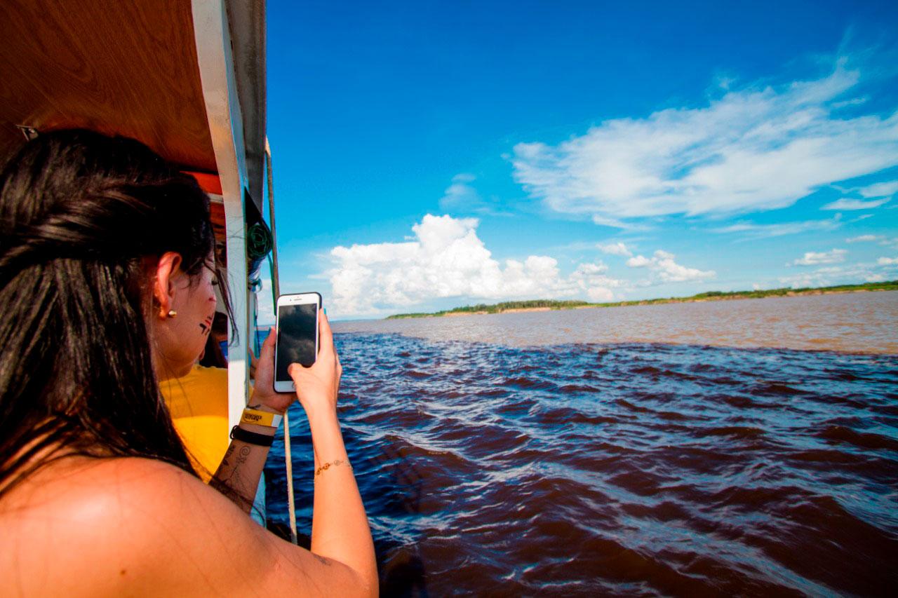 passeio do encontro das águas com Amazon Explorers